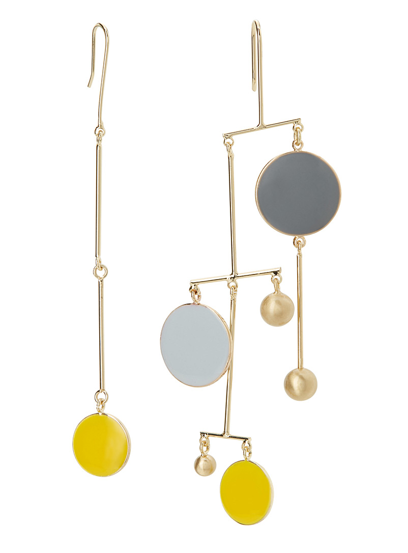 colourful-disc-asymmetric-earrings