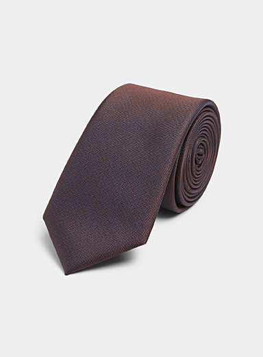 Iridescent coloured tie