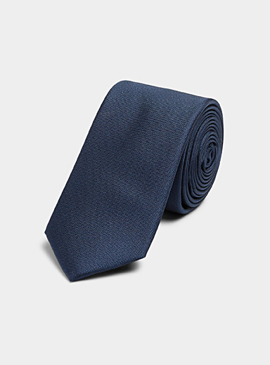 Metallic coloured tie