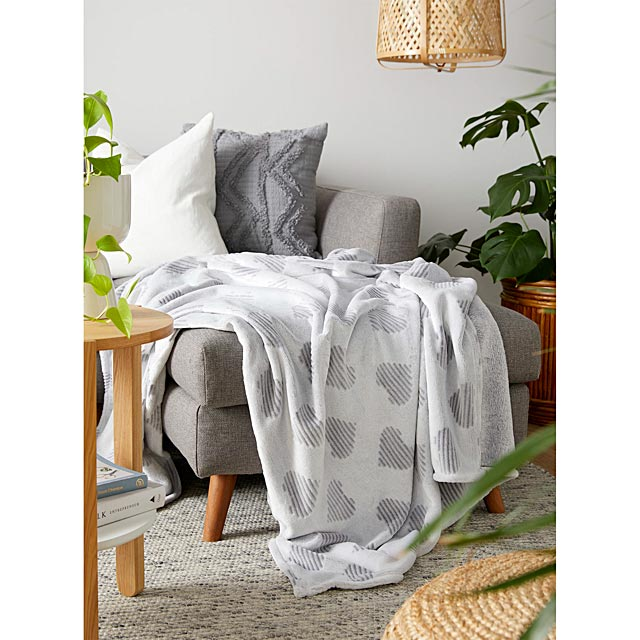 grey-heart-throw-130-x-180-cm