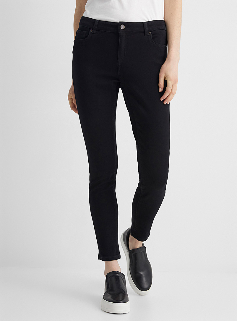 Black stretchy skinny ankle jean