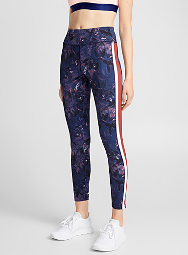 Athletic-stripe ergonomic legging