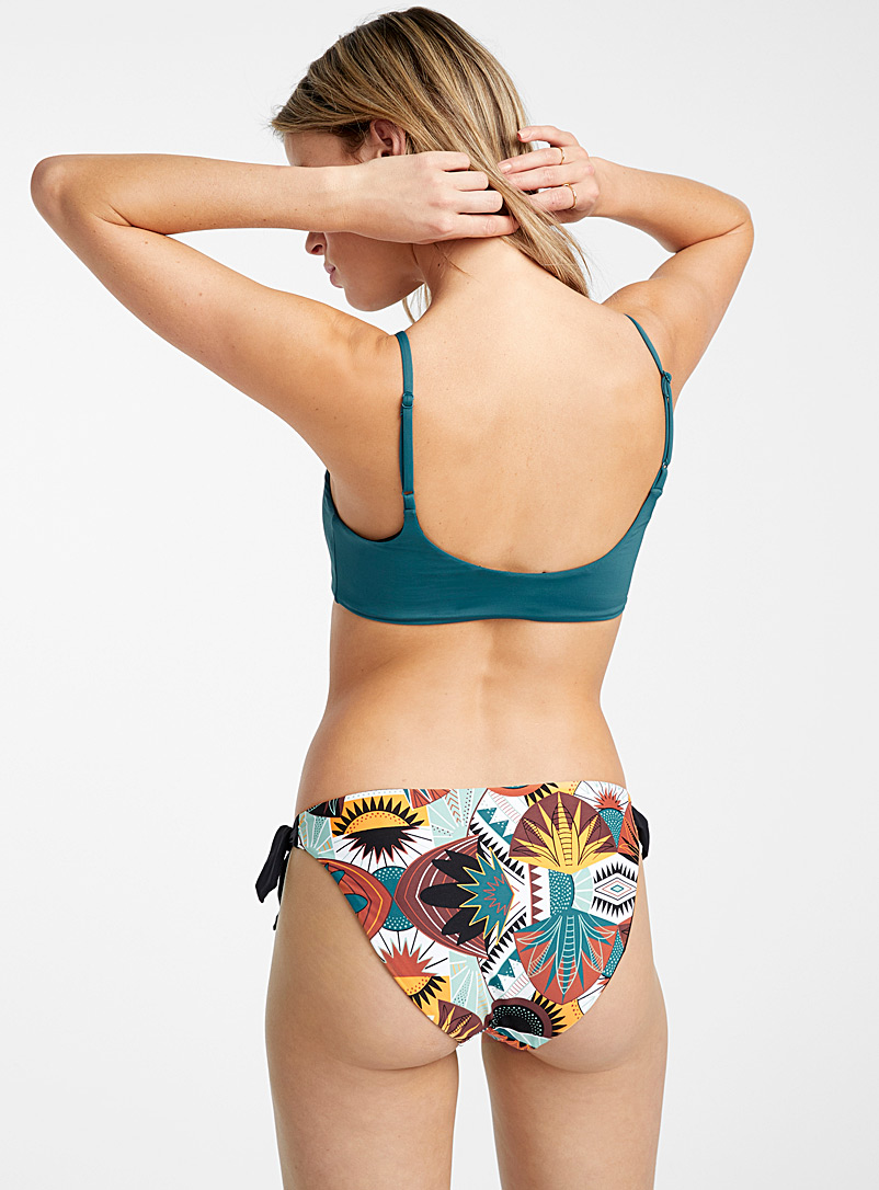 Knot-waist reversible bottom
