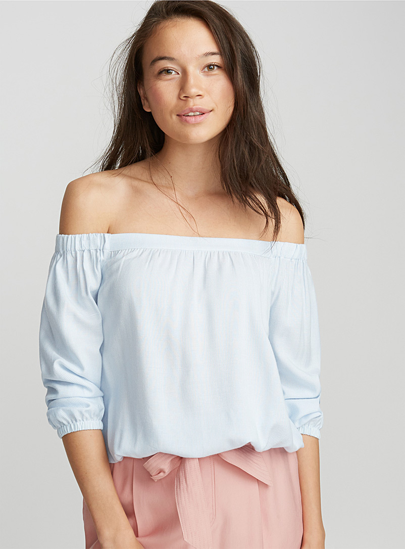 bare-shoulder-cropped-blouse