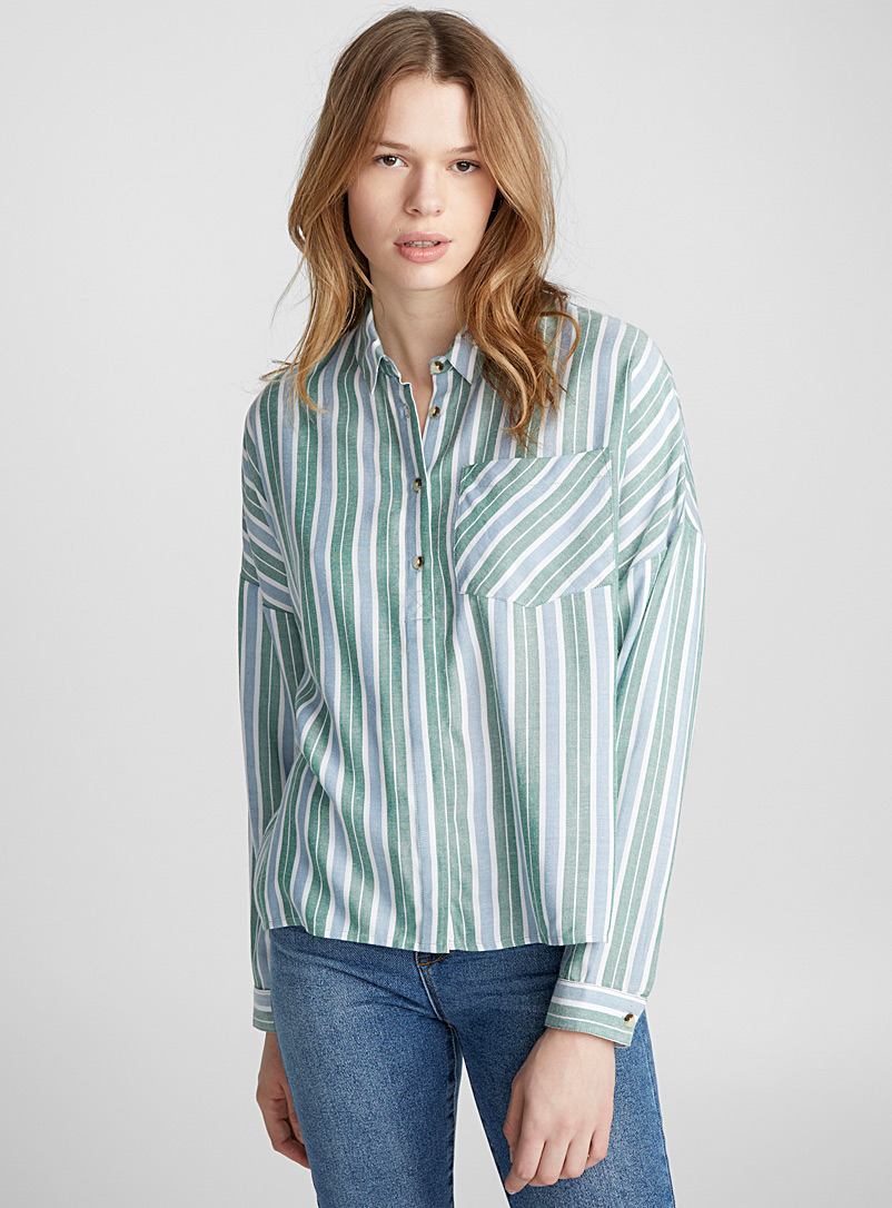 loose-striped-shirt