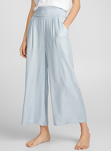 Faded blue gaucho pant