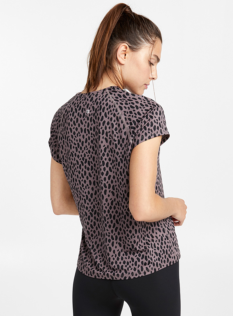 Le t-shirt ergonomique microperforé - T-shirts - Pourpre à motifs