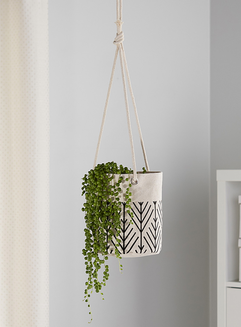 small-hanging-planter