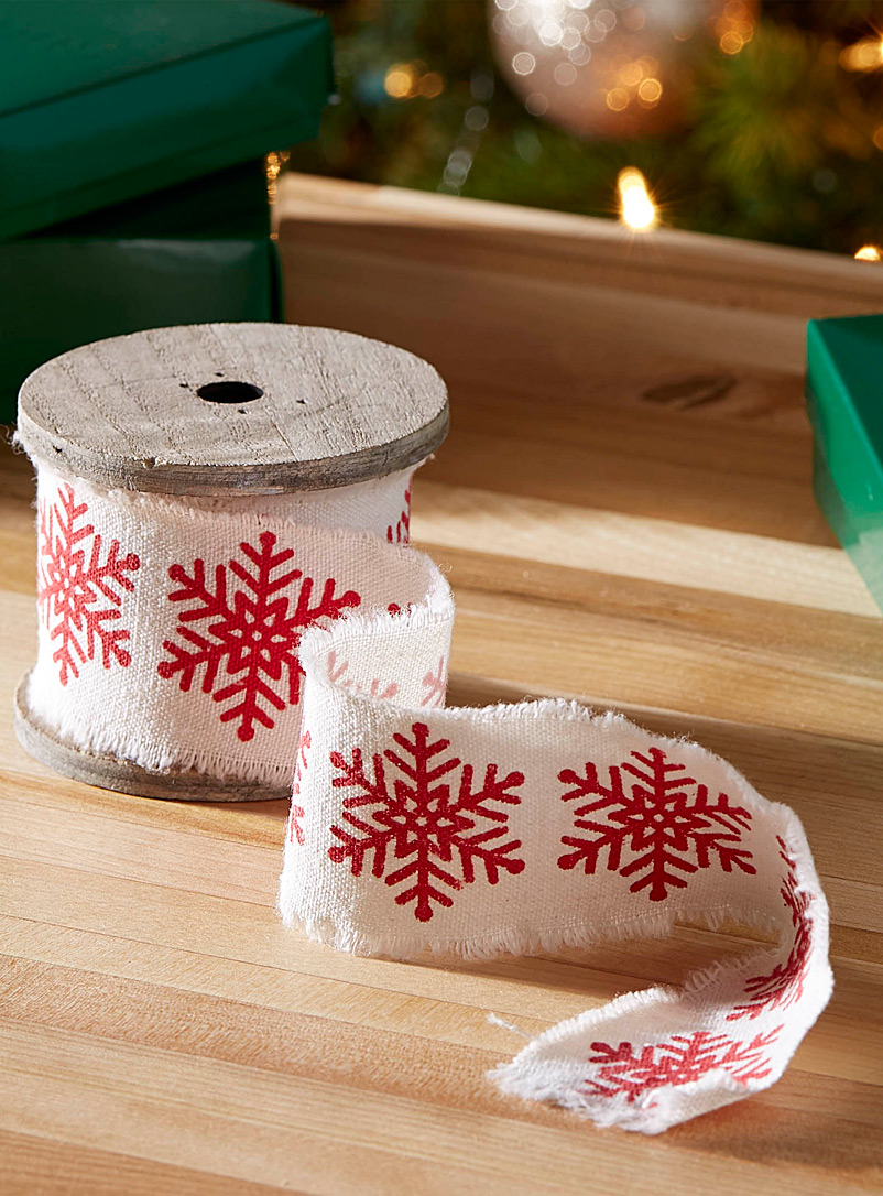 snowflake-decorative-ribbon
