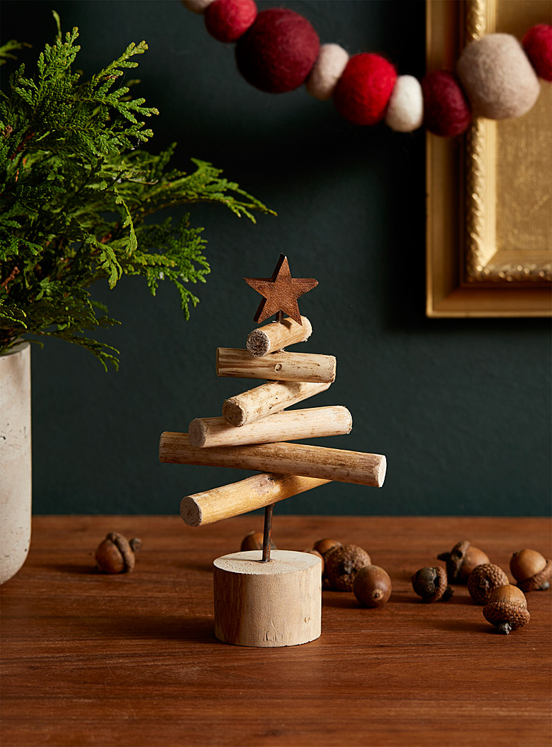 decorative-wooden-tree