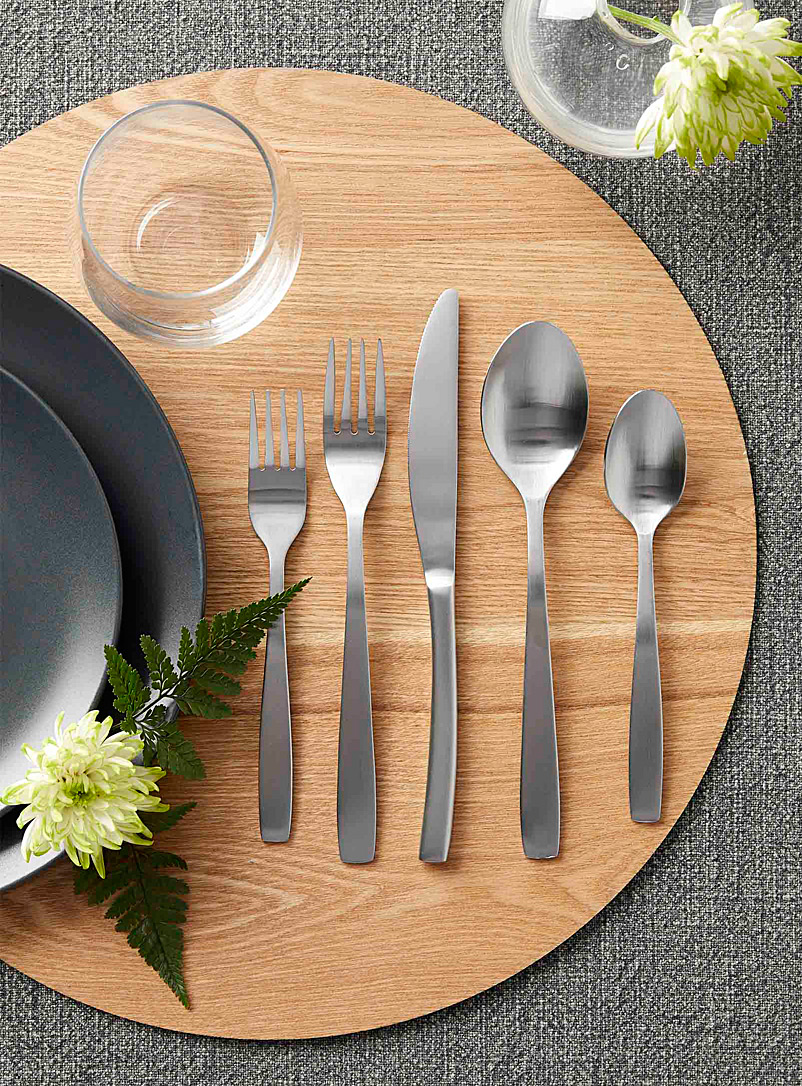 Simons Maison Assorted Satiny silver decorative utensils  Set of 5