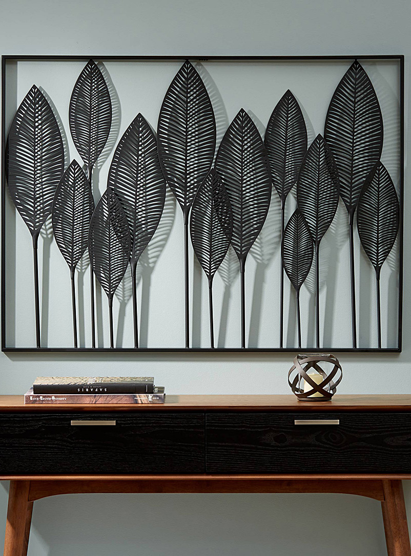 Modern foliage wall decor