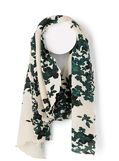 Floral accordion-pleat scarf