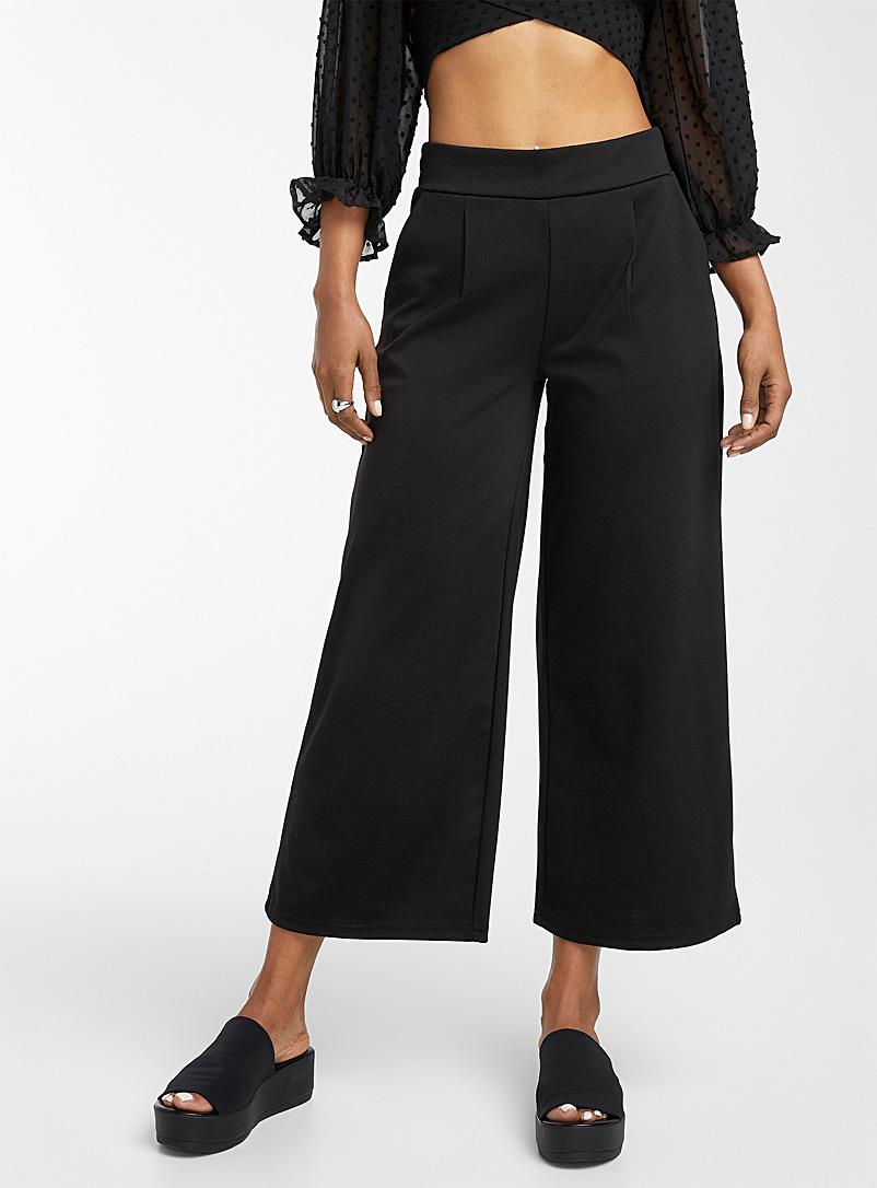 ICHI Black Engineered jersey cropped pant for women