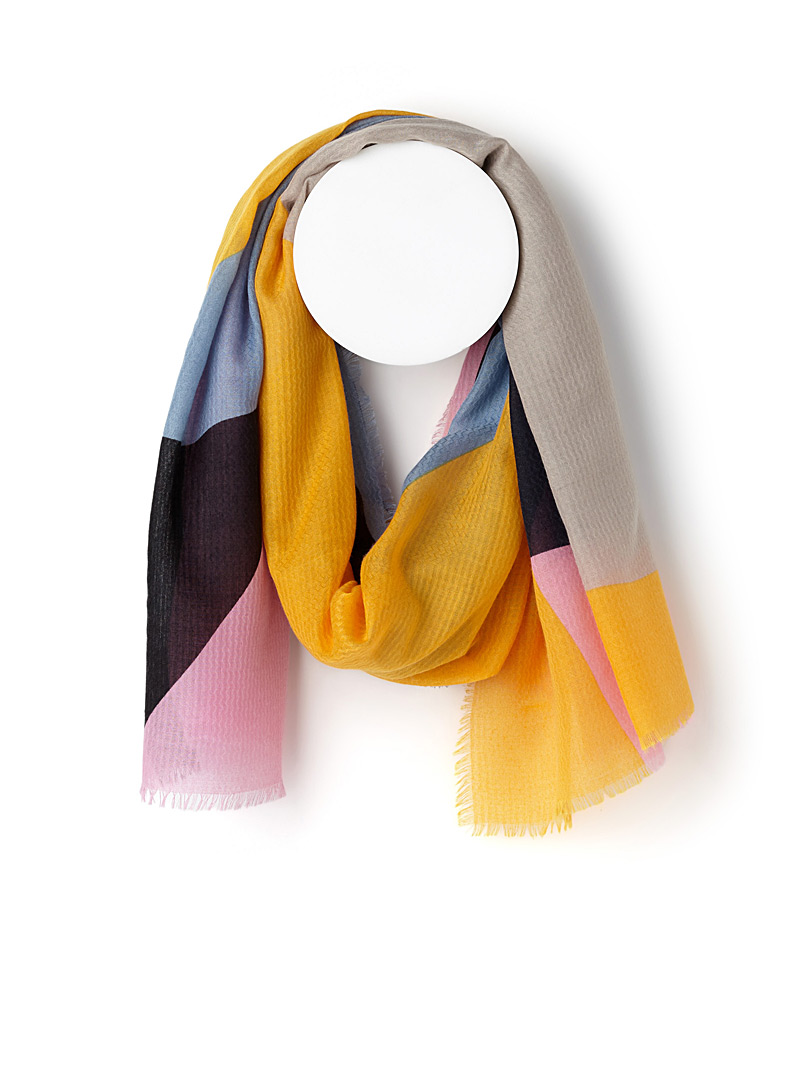 colourful-geo-pattern-scarf