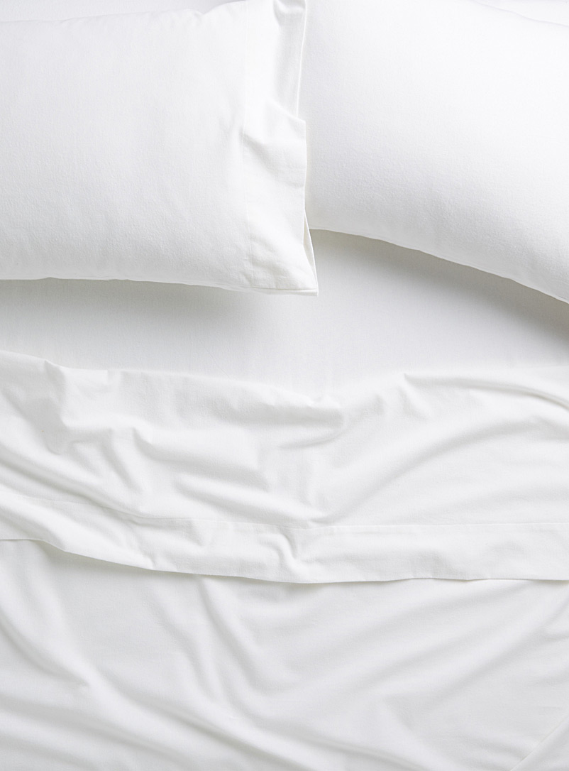 Solid flannel sheet set  Fits mattresses up to 16 in. - Flannel - White