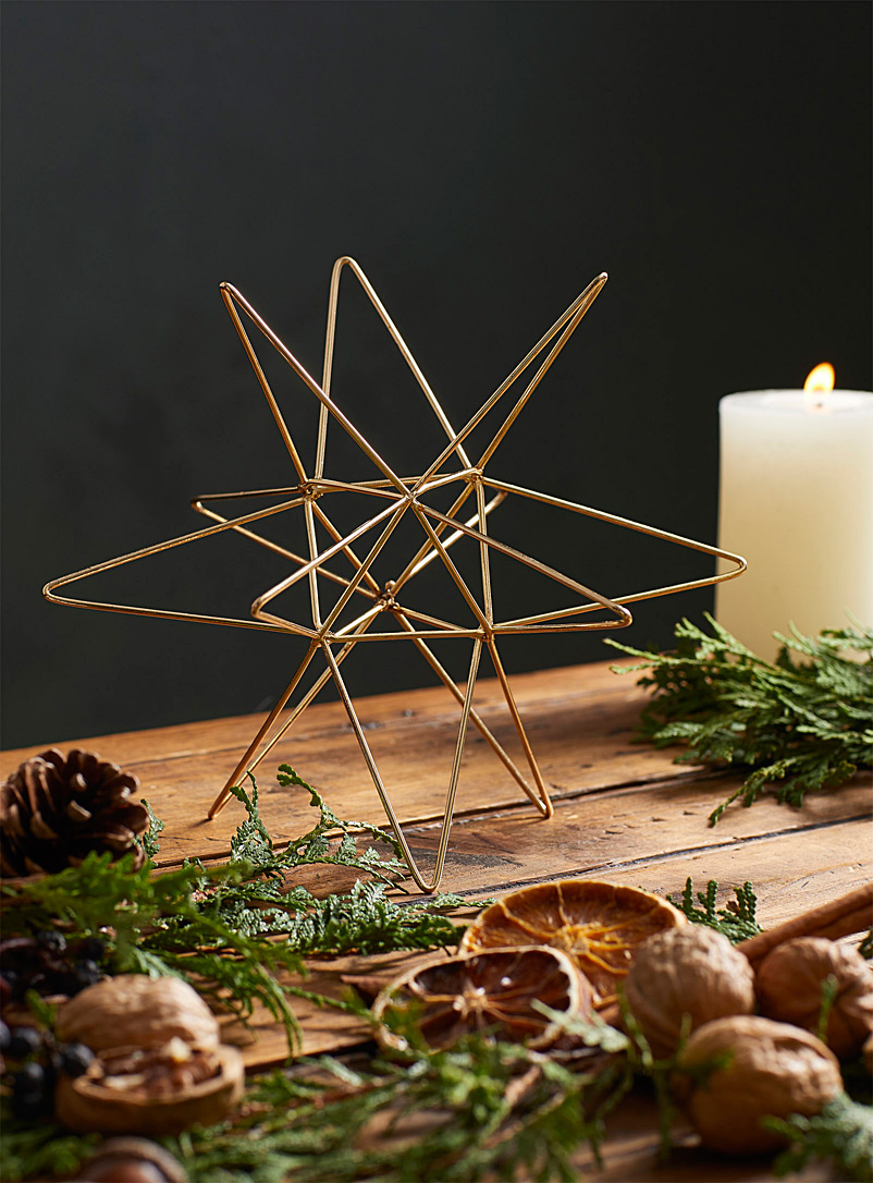 Metallic shooting star decoration