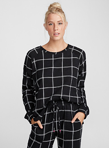 Black and white check sweater