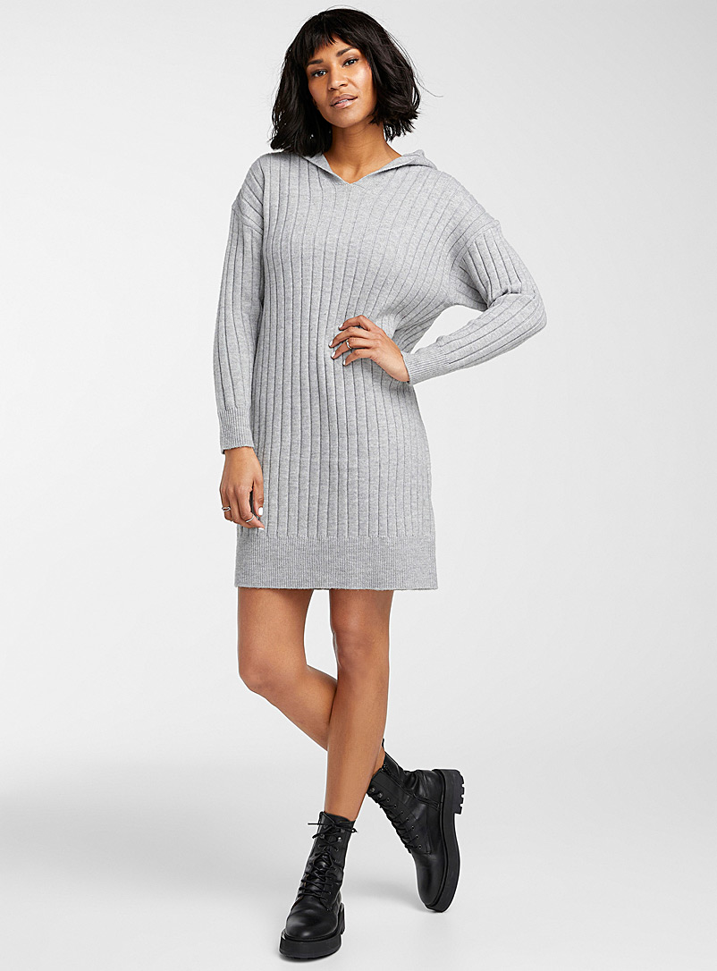 Ribbed knit hooded dress