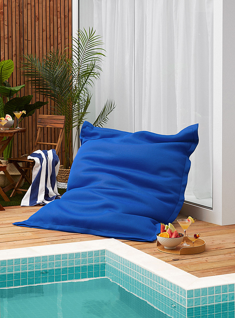 Norka Living Blue Floating beanbag chair for the pool