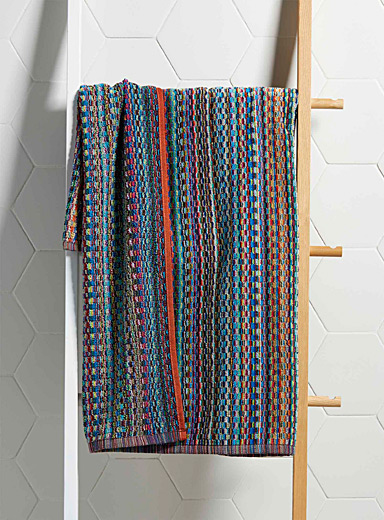 Carnival stripe bath sheet  30&quote; x 60&quote;