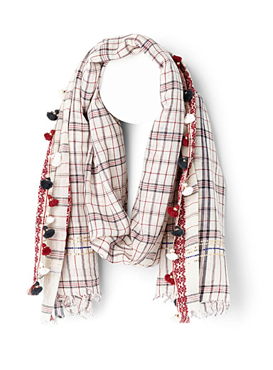 Check and pompom red scarf