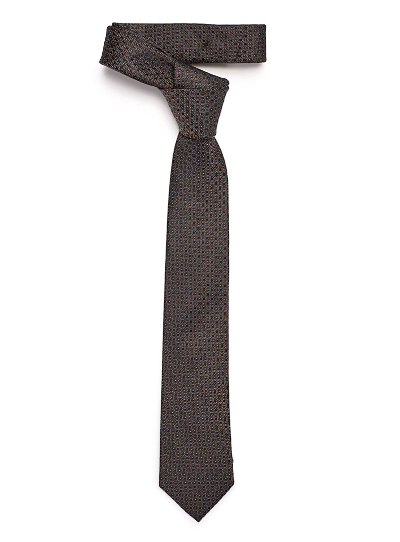 dotted-circle-tie