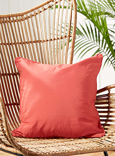 "Blazing sun outdoor cushion  18""e; x 18""e;"