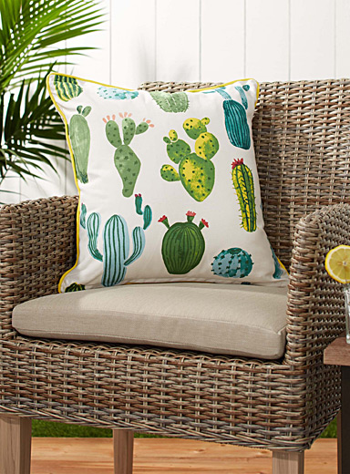 Tehuacán Valley outdoor cushion  18&quote; x 18&quote;