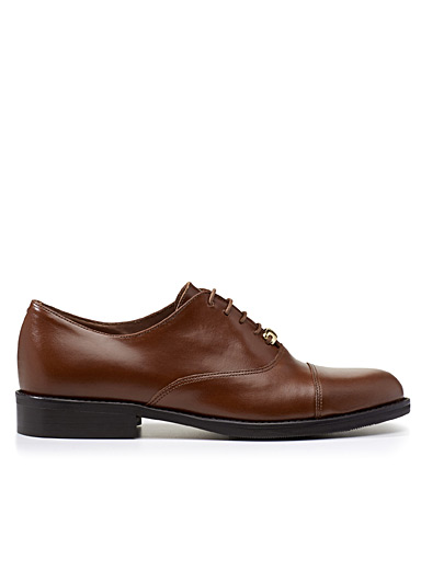 Golden touch brogues