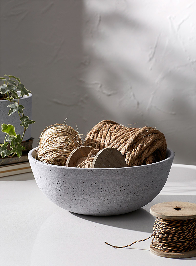 Faux-stone decorative bowl