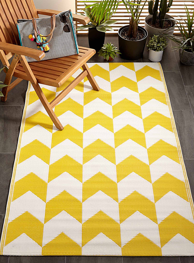Geometric arrow outdoor rug  120 x 180 cm - Door Mats & Outdoor Rugs - Ivory White