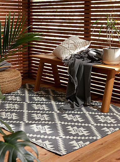 Folk diamond outdoor rug  120 x 180 cm