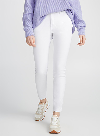 Le jeans skinny blanc pur