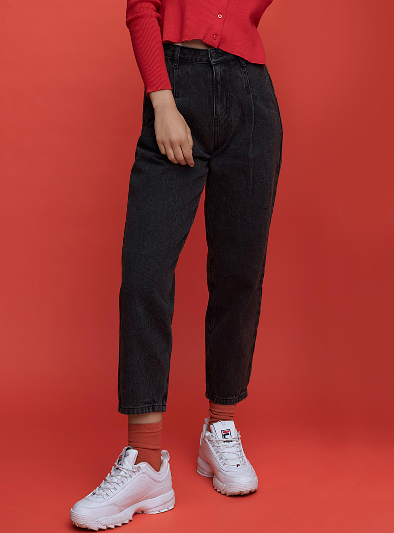 faded-black-vintage-mom-jean-br-old-school-fit
