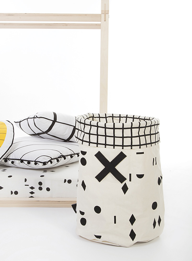 Gautier Studio Black and White Geometric Olé! toy hamper