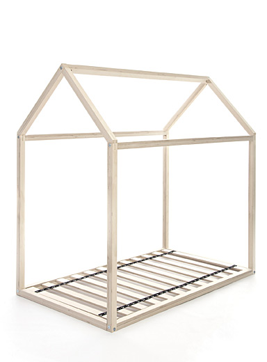 Slatted bed base for playhouse