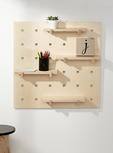 Wall mount with natural shelves