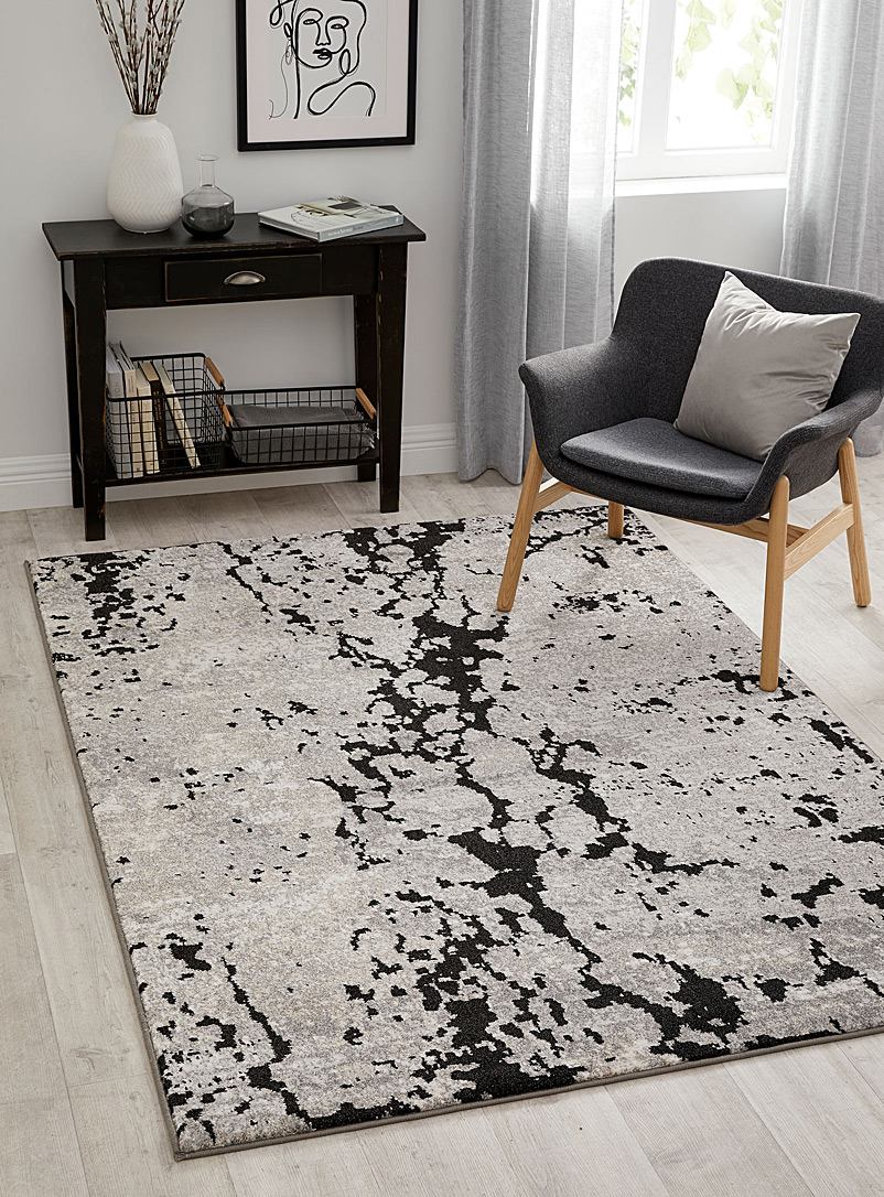 Simons Maison Black Cracks rug