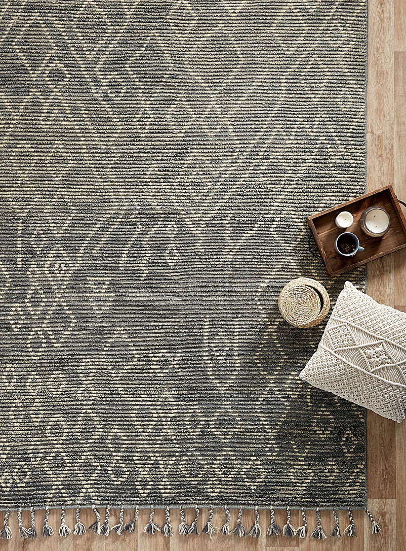 grey-moroccan-sketch-rug