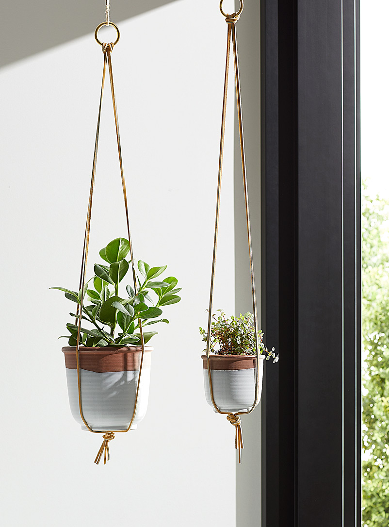 M Forioso Brown Set of 2 minimalist leather plant hangers