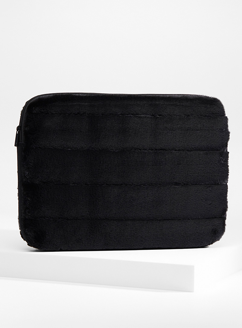 faux-fur-laptop-case
