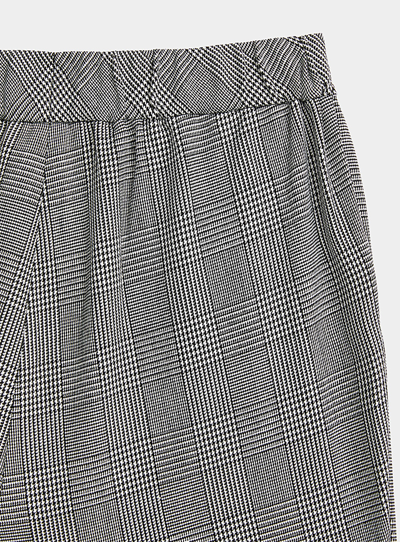 Twik Fawn Pleated check pant for women