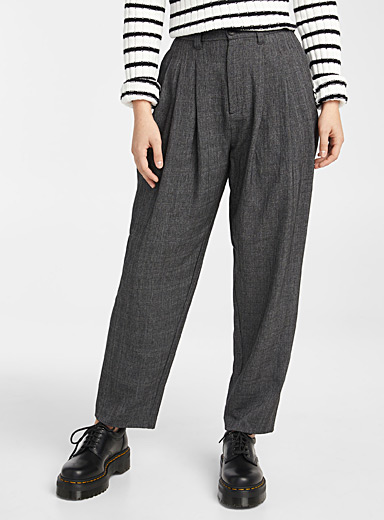 Pleated-waist balloon pant