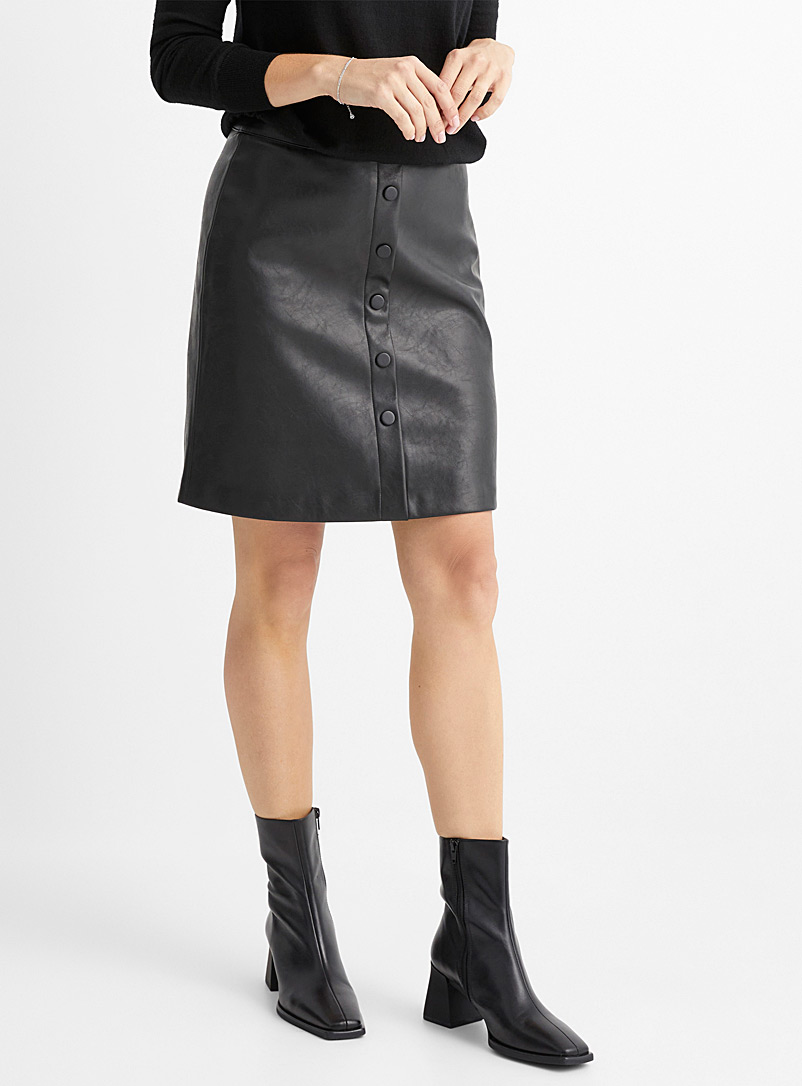 Buttoned faux-leather skirt