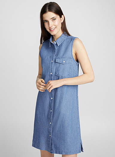 La robe sans manches denim