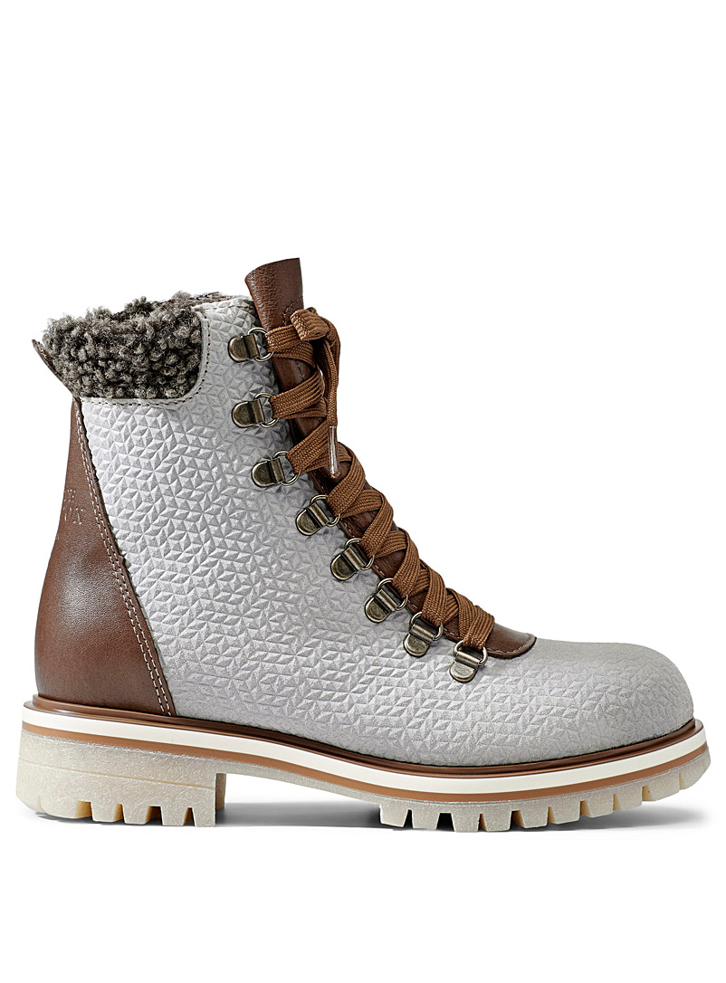 kamouraska-lace-up-winter-boots