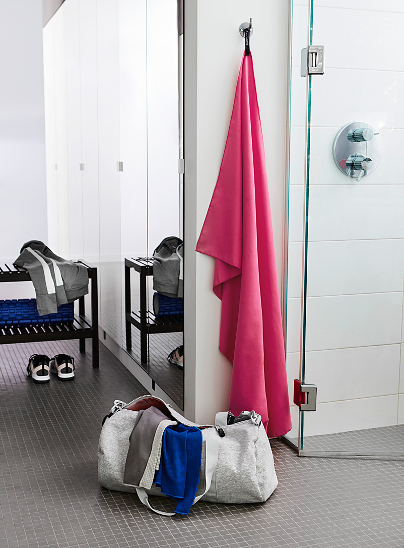 Simons Maison Pink The smart-traveller's towel