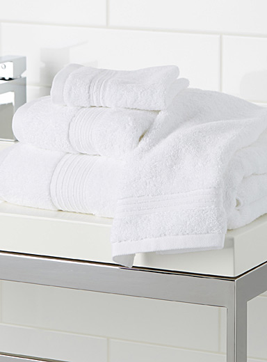 Airy cotton towels