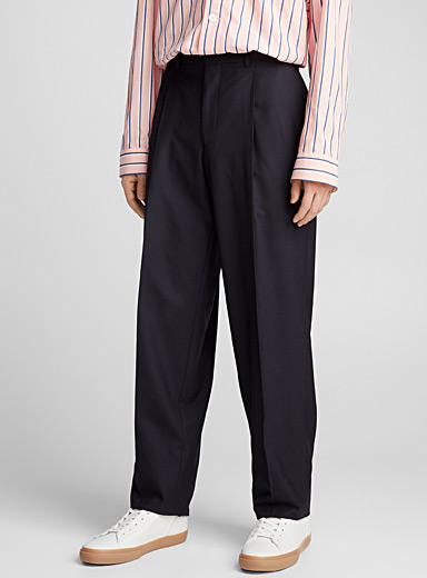 Core pleated pant